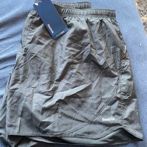 NWT Rebook black shorts with liner size xl